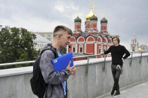 Экскурсию по Таганскому района провели представители библиотеки Василия Ключевского. Фото: Александр Кожохин, «Вечерняя Москва»
