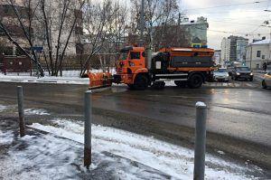 Улицы города от снега очистит восемь тысяч единиц уборочной техники. Фото: Анна Быкова