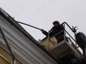 Крышу отремонтируют на Малой Андроньевской улице. Фото: Максим Аносов, «Вечерняя Москва»