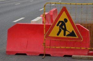 Сотрудники «Жилищника» привели в порядок дорожное покрытие в районе. Фото: Анна Быкова
