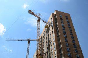 Увеличение суммы льготной ипотеки поможет восстановить объемы кредитования. Фото: Анна Быкова