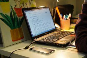 Вебинар о составлении бизнес-плана провели сотрудники центра занятости «Моя карьера». Фото: Денис Кондратьев