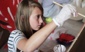 Выставка детских работ открылась в районном Доме культуры. Фото: сайт мэра Москвы