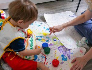 Эксперты Центра «Моя карьера» учат нянь работать с особенными детьми. Фото: сайт мэра Москвы