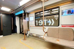 Специалисты запустили поезд с интерактивными дисплеями через станцию метро «Таганская». Фото: Анна Быкова
